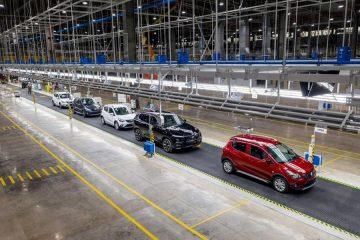 VinFast bứt tốc: Gần 2.000 xe Lux, hơn 3.000 xe Fadil